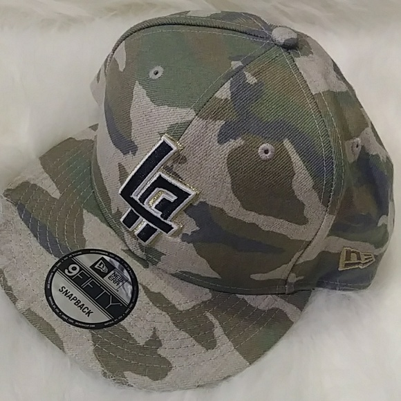 7b1164b9a04 🆕NWT🆕 New Era L.A. Clippers Camo Snapback